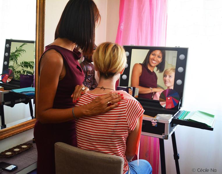 Cécile Na en séance colorimétrique avec Pascale Loko, coach en image