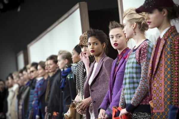 Des mannequins présentent la collection J.Crew pendant la Fashion Week de New York, le 12 février 2013