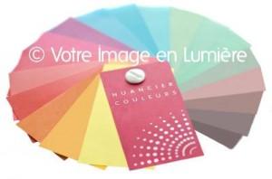 Nuancier de couleurs de poche sur-mesure unique © Votre Image en Lumière.