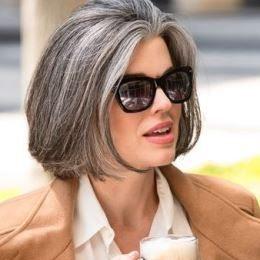 Coupe carrée - cheveux gris