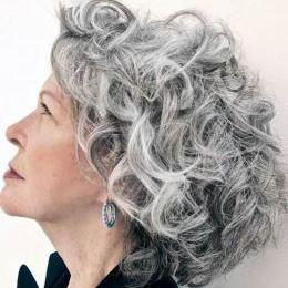 Coupe - cheveux gris boucles