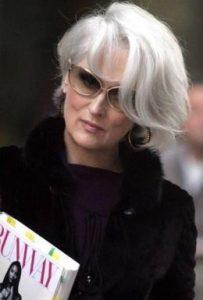 Meryl Streep porte les cheveux blancs